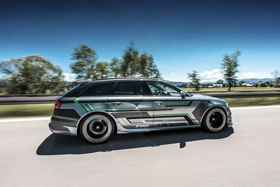 千匹马力奥迪RS6,一键进入战斗模式!